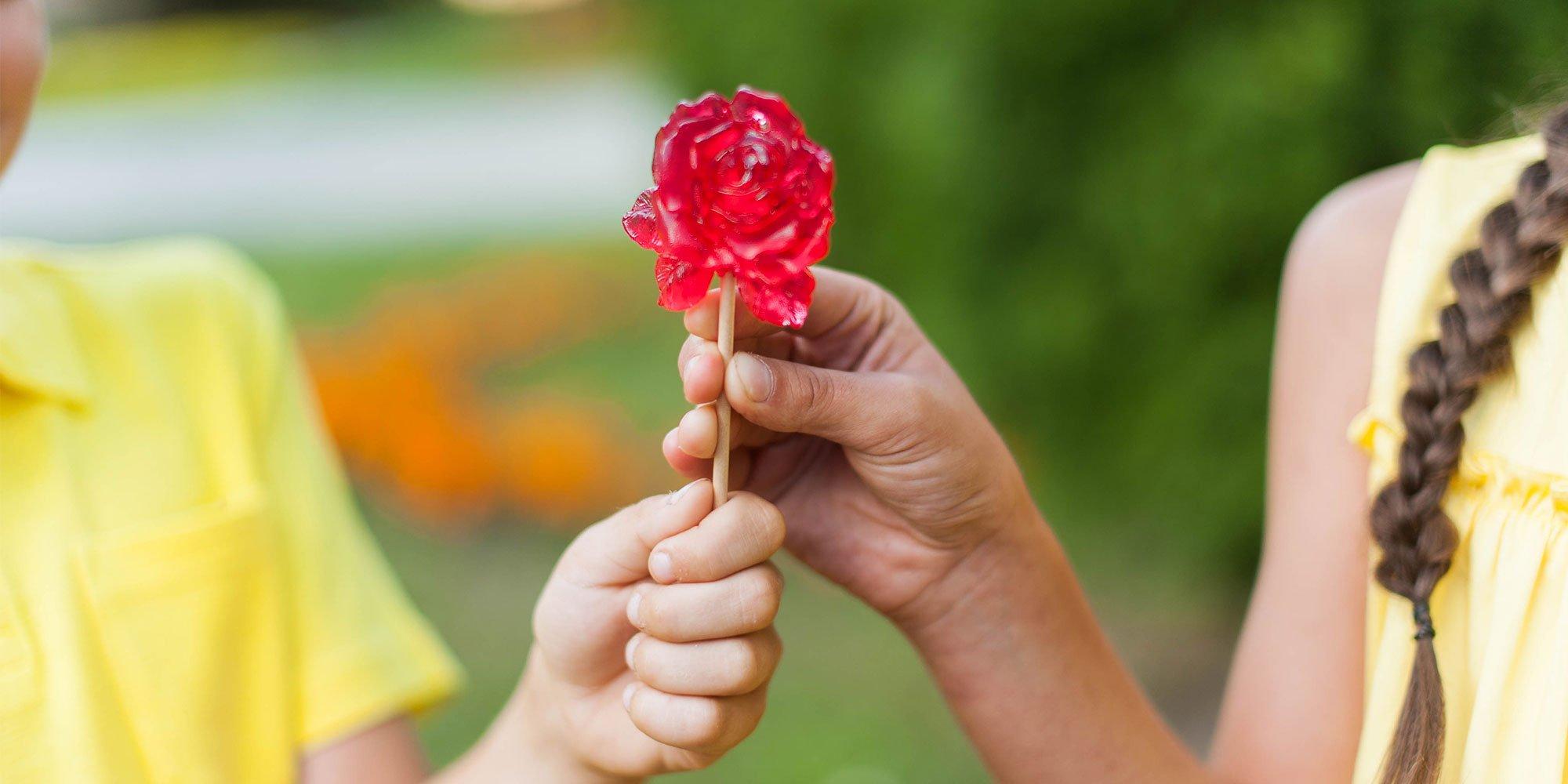 Карамельные розы - леденцы на палочке